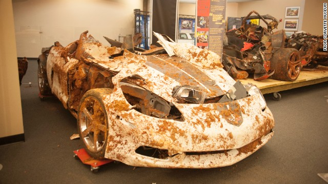 Corvette museum will fill sinkhole after all, restore some cars