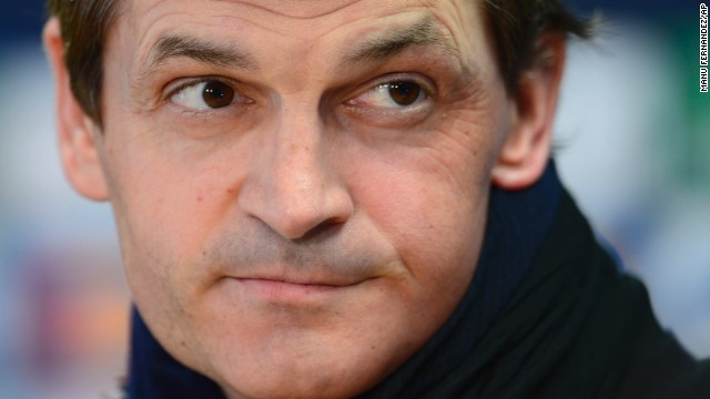 Former Barcelona soccer coach <a href='http://ift.tt/1feTu3d' target='_blank'>Tito Vilanova</a>, who had been battling cancer, died at the age of 45, the club announced April 25.
