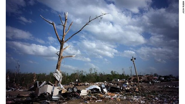 Deadly tornado rips through Arkansas