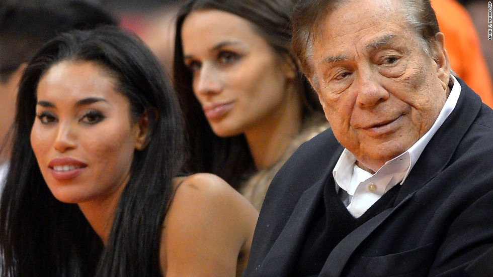 The NBA's<a href='http://www.cnn.com/2014/04/29/us/clippers-sterling-scandal/index.html' target='_blank'> suspension and $2.5-million fine for Los Angeles Clippers owner Donald Sterling</a> sent shockwaves through the sports world, but it's not the first time a league has cracked down on a team owner.