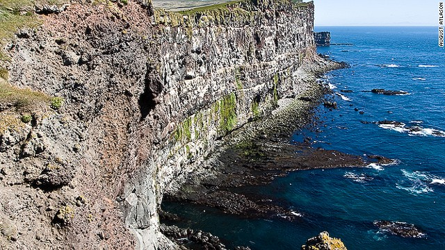 Huge numbers of birds roost in Latrabjarg, the biggest bird cliffs in Europe. Puffins, northern gannets, guillemots and razorbills can all be seen.