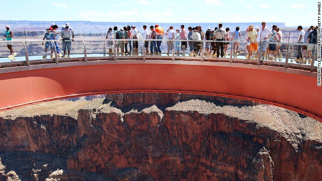 At the Grand Canyon, the Skywalk reaches out over a drop of 1,450 meters.