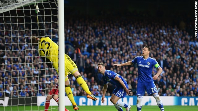 Atletico almost took an early lead when Koke's looping effort smashed against the crossbar with Chelsea goalkeeper Mark Schwarzer beaten.
