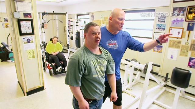 Ned Norton, un héroe de CNN que ayuda a discapacitados a encontrar 'fuerza'