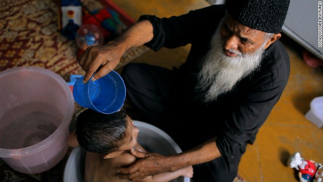 """These Birds Walk: (2013) -- The documentary follows the lives of philanthropist Abdul Sattar Edhi and a young Pakistani runaway. (Netflix)"