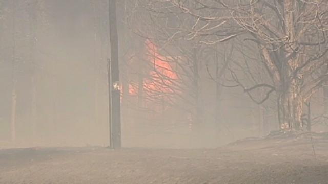 Una quema controlada se sale de control y se torna en un incendio voraz en Oklahoma