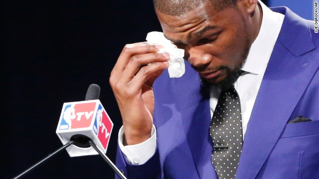 Kevin Durant's Mom: 'They Could Not See the Pain That I Was Going Through'