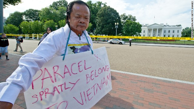 Last year, a Vietnamese man protested outside the White House during the visit of Vietnamese President Truong Tan Sang. He demanded the U.S. recognize Vietnamese sovereignty over the Paracel and Spratly Islands.