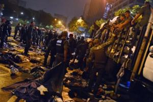 Desmantelan campamentos de opositores