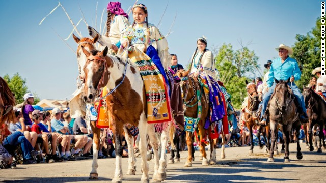 Horses are a huge part of the carnival, appearing in the traditional morning parade, rodeo, and adrenalin-fueled Indian Relay racing event.