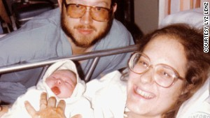Infant Lyz Lenz with her mom and dad in 1982.