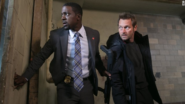 "<strong>""Crisis""</strong><strong>:</strong> A Secret Service agent who finds himself in the middle of an international crisis during his first day on the job won't get a second season on NBC."