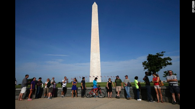 Ticketed public tours were made available at the Washington Monument Lodge on a first-come basis for the reopening.