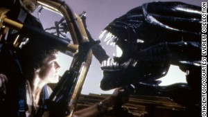 Sigourney Weaver meets the Alien in 1986\'s \