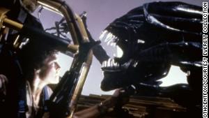 Sigourney Weaver meets the Alien in 1986\'s \