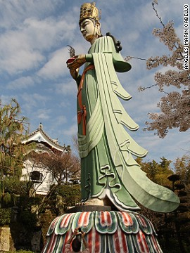 The 15-meter-high Goddess of Mercy stands at Kosanji Temple on Ikuchi Island.