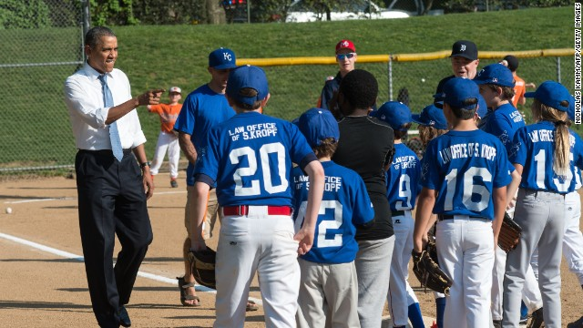 Play Ball! Obama surprises Little Leaguers