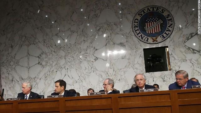 Senado de EE.UU. aprueba sanciones a miembros del gobierno de Venezuela