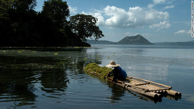 Just more than an hour from Manila, Tagaytay hosts second homes of the capital's well off, who are drawn to the low temps and views of Taal Volcano, the smallest active volcano in the world.