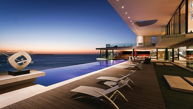South African firm SAOTA builds for many of Africa's elite. The Cliff House, built on the s