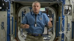 NASA astronaut Steve Swanson took CNN\'s readers\' questions from space