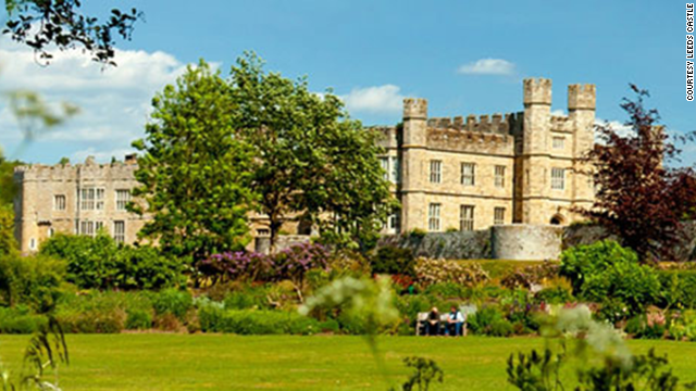 Catherine of Aragon, Henry VIII's first wife, and five other queens have lived in Leeds Castle, in the United Kingdom.