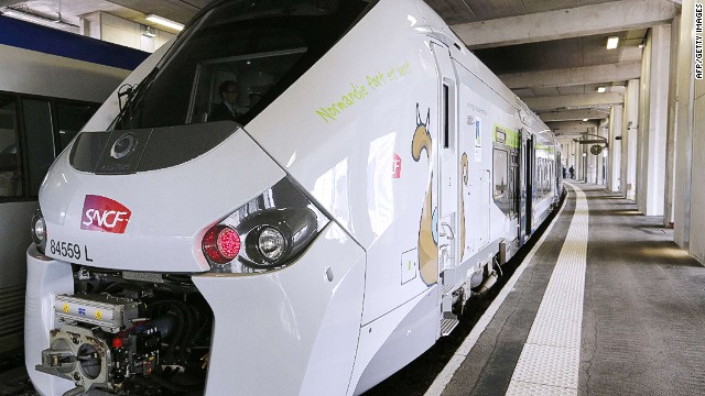 French trains 'too wide' to fit in some stations