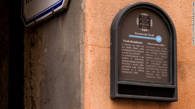 Kisswomen alley in Citta della Pieve was built to divide the estates of bickering neighbors.