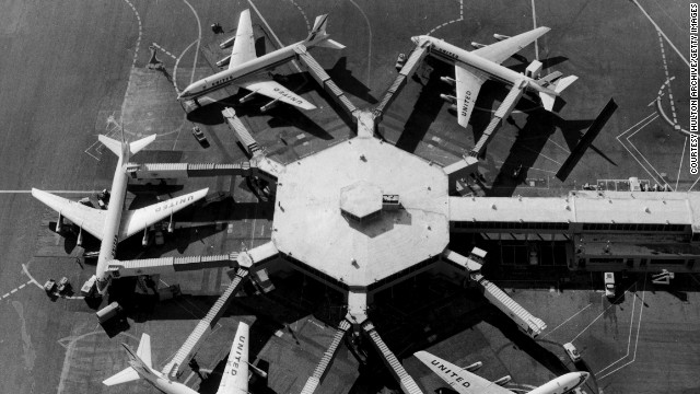 1959: The first jet bridge was used for passengers to board and disembark planes at San Francisco airport.