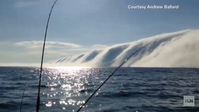 Video: Una gran muralla de niebla cubre el Lago Michigan