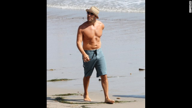Jeremy Piven enjoys a seaside stroll in Malibu, California, in August 2011.