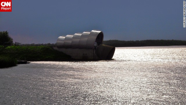 The <a href='http://ireport.cnn.com/docs/DOC-1128012'>Infocentrum De Balgstuw</a> is a floodgate in the Netherlands. These floodgates work as a barrier and are used in several parts of the country.