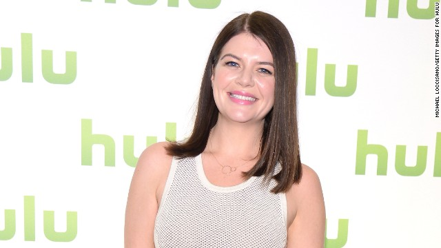 'Happy Endings' star gets married, and more news to note