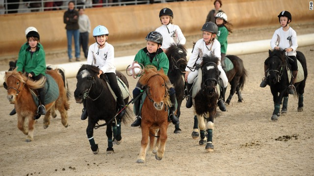 While 80% of current players are French, horseball is a growing sport. Algeria, China, Kyrgyzstan and Mexico are among its member nations.