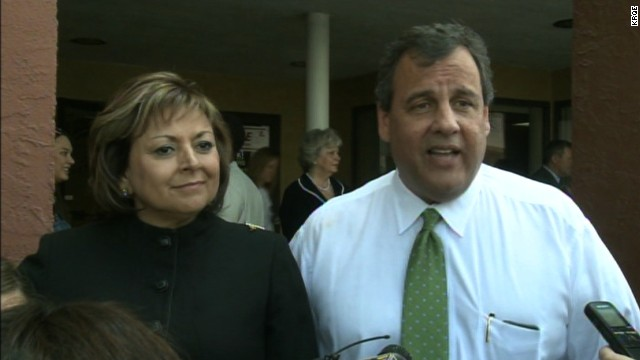 Christie, Martinez hit the trail in New Mexico