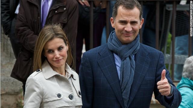 Felipe promete servir a una España unida y diversa