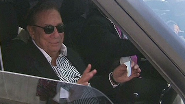 Cleveland Clinic neurologist declares Los Angeles Clippers owner Donald Sterling mentally fit after weekend medical exam.