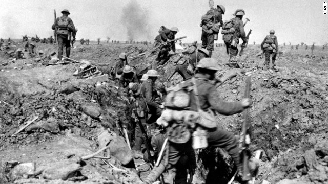 British troops advance during the Battle of the Somme in 1916.