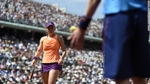 Halep forces a tiebreak in the second set and fights back from 5-3 down to win the breaker 7-5 and force a third set.