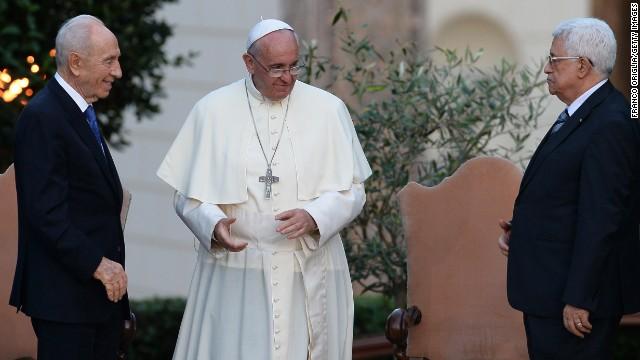 Desde el Vaticano, judíos, cristianos y musulmanes oran por la paz en Oriente Medio