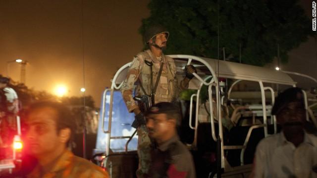 Ataque y enfrentamientos en un aeropuerto en Pakistán deja al menos 21 muertos
