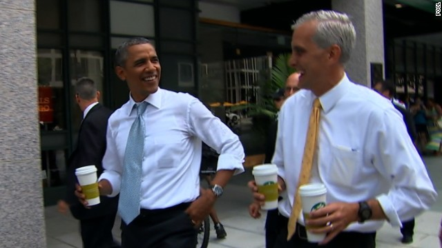Obama makes a Starbucks run