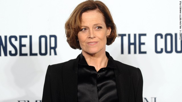 Sigourney Weaver officially back for 'Avatar' sequels