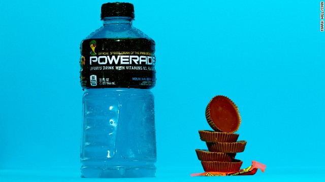 Sports drink: Powerade Mountain Berry Blast. Powerade's Mountain Berry Blast also has 56 grams of sugar. Each of these five Reese's cups contains about 11 grams of sugar.