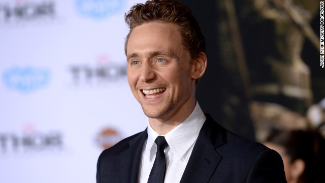 Tom Hiddleston, country star