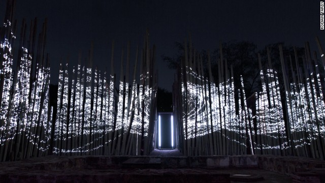 The installation was set in the Ethnobotanical Garden of Oaxaca, Mexico.