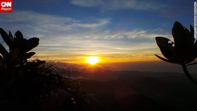 After spending the day hiking up Mount Mantalingajan in Palawan, Philippines, <a href='http://ireport.cnn.com/docs/DOC-1145270'>Sherbien Dacalanio</a> was treated to this summer sunset.