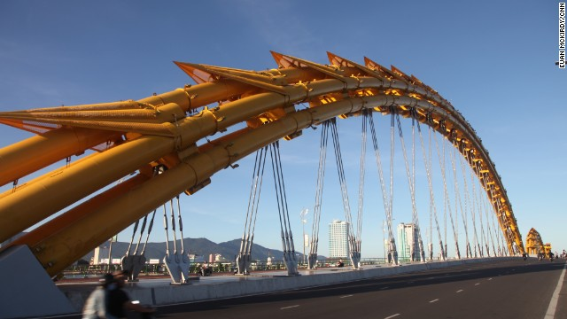 The Da Nang Department of Sports, Culture and Tourism expects the bridge to draw 3 million visitors to the city this year.
