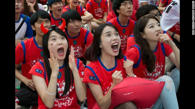 South Korea fans in Seoul react during the 1-1 draw against Russia on Wednesday, June 18.