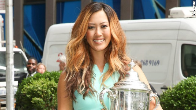 U.S. Open champion Michelle Wie leads the standings ahead of Park and Kraft Nabisco champion Lexi Thompson. However Wie endured a difficult time Thursday after being forced to quit after just 13 holes.<!-- --> </br>